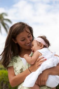 mother-daughter-hawaii-849694-gallery